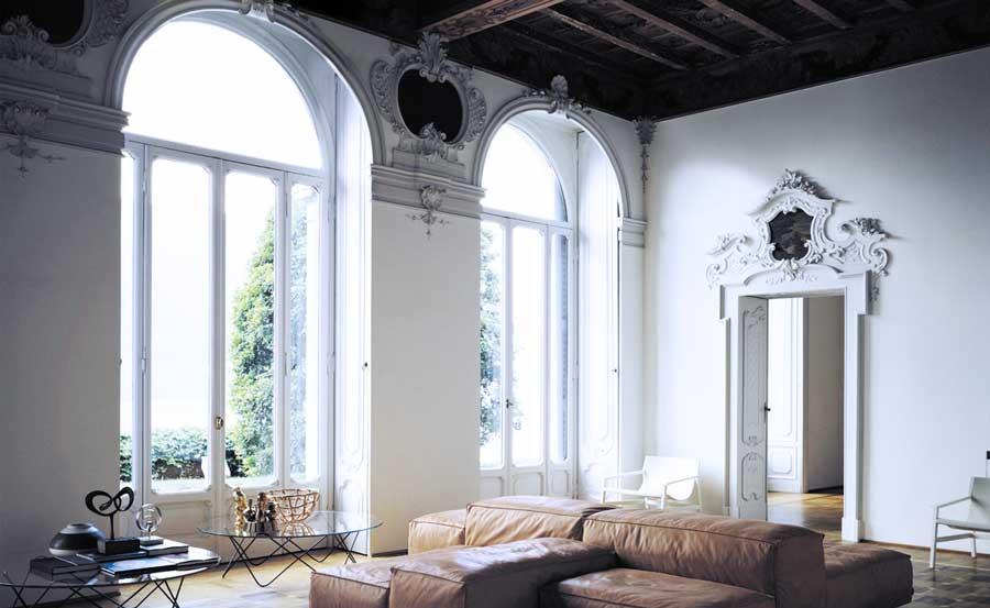 Арочное обрамление окна в гипсе от